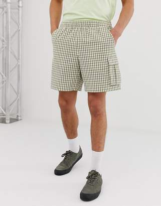 Asos Design DESIGN slim cargo shorts in seersucker check