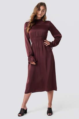 Na Kd Party Ruched Detail Midi Dress