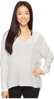 Hard Tail - Long Sleeve V-Neck Pullover Women's Workout $98 thestylecure.com