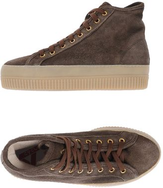 CYCLE Sneakers $154 thestylecure.com