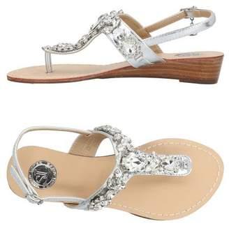 e81f186538b SARA LÓPEZ Toe post sandal