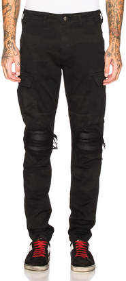 Amiri Classic Cargo Pants in Black | FWRD