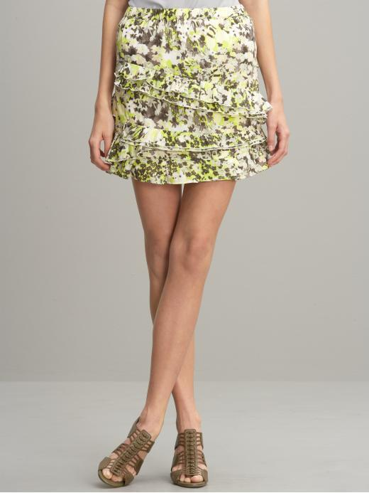 Print swirling ruffles skirt