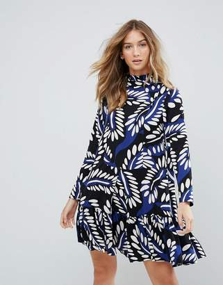 Traffic People High Neck Graphic Print Shift Dress
