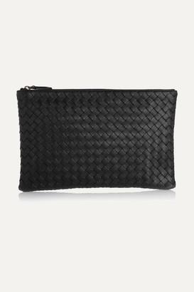 Bottega Veneta - Medium Intrecciato Leather Pouch - Black $690 thestylecure.com