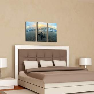 Beachcrest Home 'Turtle' Photographic Multi-Piece Image on Canvas in Blue/Sand/Brown/Yellow