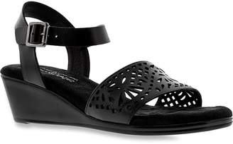Walking Cradles Women's Nara sandals 7 X WIDE