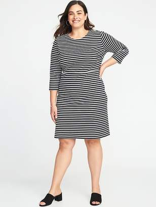 Old Navy Plus-Size Ponte-Knit Sheath Dress