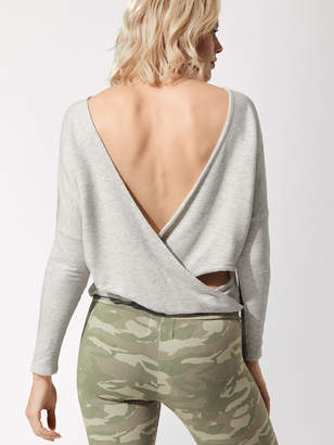 Supersoft L/s Top With Open Back Twist