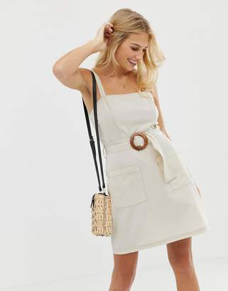 Asos (エイソス) - Asos Design ASOS DESIGN square neck linen mini sundress with wooden buckle & contrast stitch