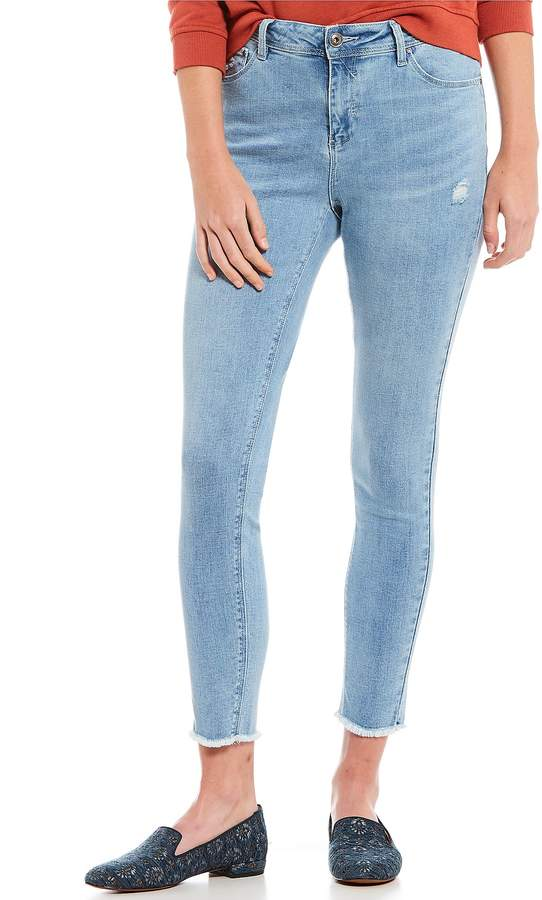 A Loves A Distressed Light Wash Skinny Jean