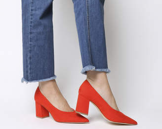 Office Mama Point Court Heels