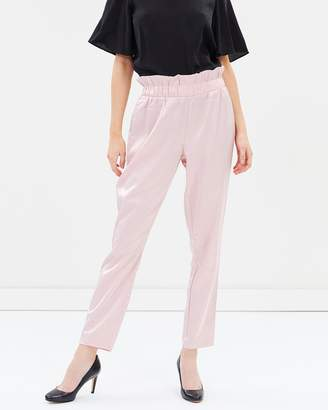 Vero Moda High-Waisted Loose Pants