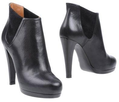 Giorgio Armani Shoe boots
