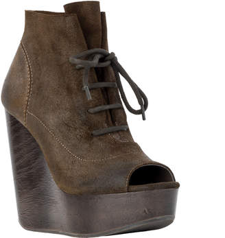Max Studio farah : waxed suede wedge booties