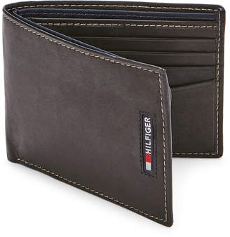 Tommy Hilfiger Spencer Leather Passcase Wallet