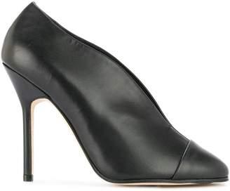 Victoria Beckham round toe pumps
