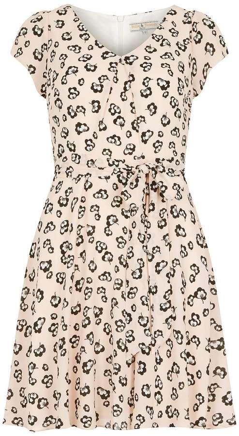 **Billie & Blossom Neutral Poppy V-neck Dress
