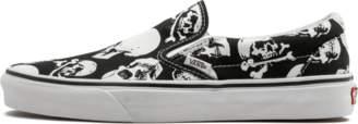 Vans Classic Slip On (Skulls) Black/True White