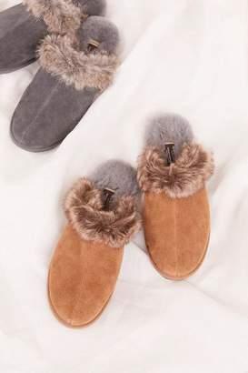 Manitobah Faux Fur Igloo Moccasin