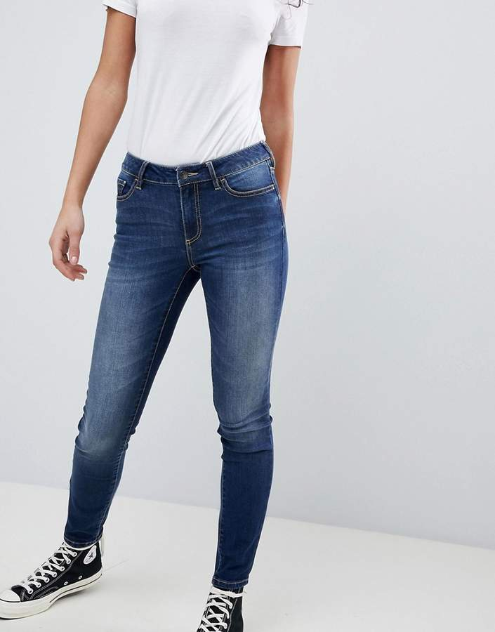 – Superenge Mid-Rise-Jeans