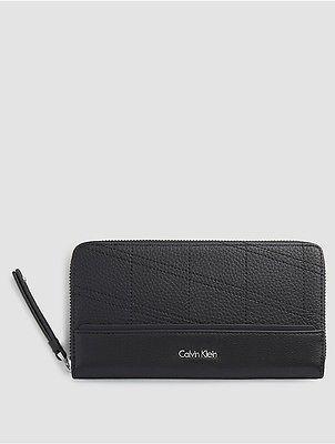 Calvin KleinCalvin Klein Womens Large Zip-Around Wallet Black
