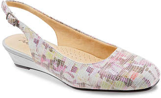 Trotters Lenore Wedge Pump - Women's