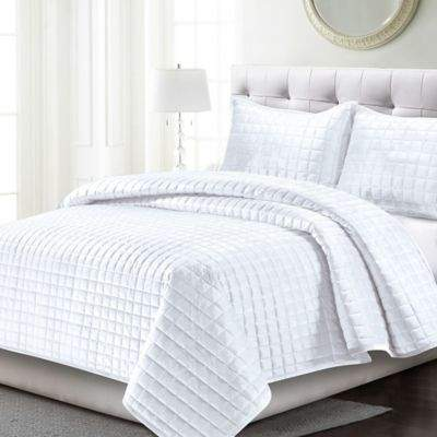 Tribeca Living Florence Velvet Twin Quilt Set in White