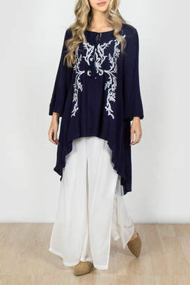 Monoreno Embroidered High-Low Tunic