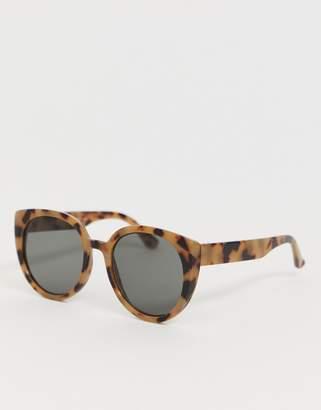 New Look faux tortoiseshell cat eye sunglasses in cream