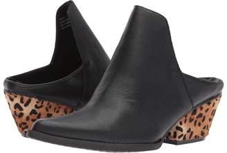 Volatile Chicas Women's Clog/Mule Shoes