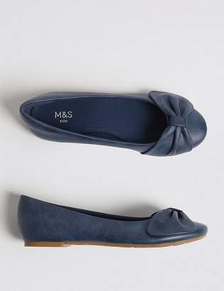 Marks and Spencer Kidsâ Bow Ballet Pumps (13 Small - 6 Large)