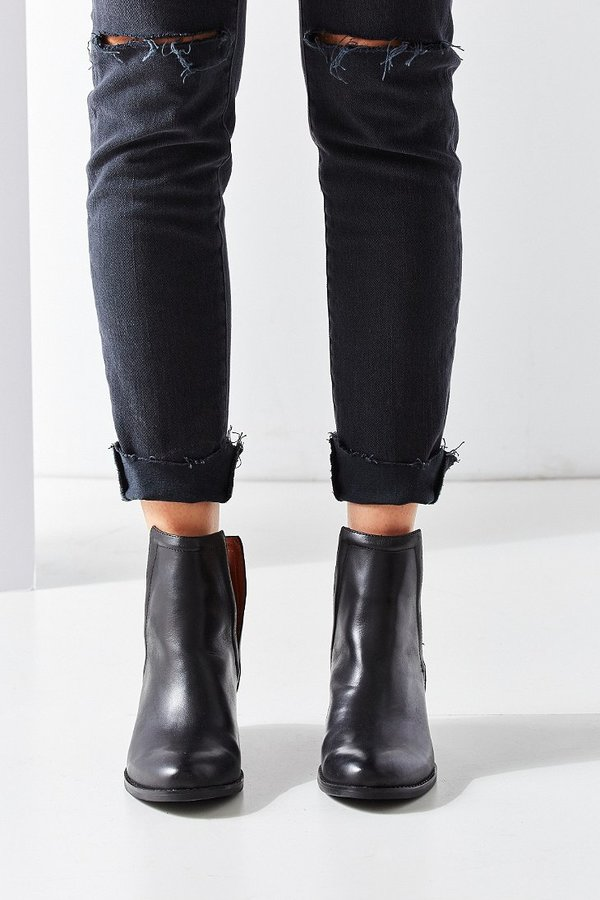 jeffrey cbell oriley cutout ankle boot 195