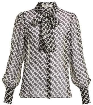 Diane von Furstenberg Chain Link Print Silk Chiffon Pussy Bow Blouse - Womens - Black White