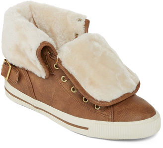 ARIZONA Arizona Criss Faux Fur Lace-Up Sneakers $60 thestylecure.com