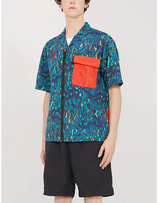 Nike Patch-pocket relaxed-fit shell shirt