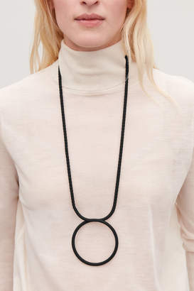 Cos LONG FABRIC-RING NECKLACE