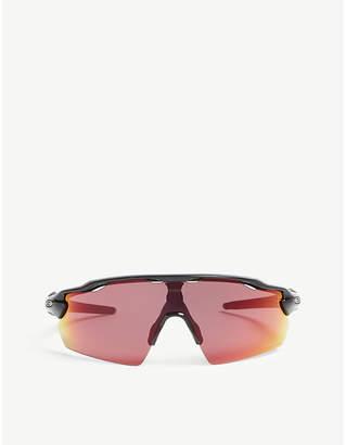 Oakley OO9211 Radar EV wrap-around sunglasses