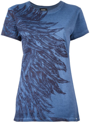 Diesel feathers print T-shirt $106.84 thestylecure.com