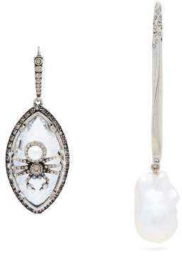Alexander McQueen Spider And Pearl Mismatched Earrings - Womens - Clear