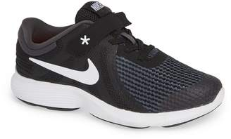 Nike Revolution 4 Flyease 4E Sneaker