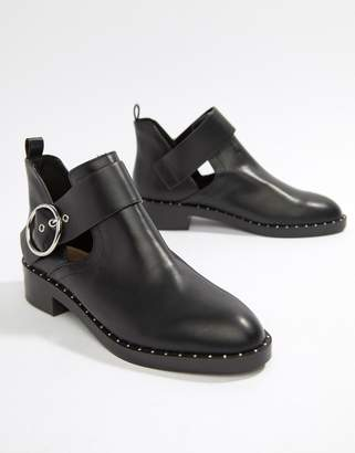 Pull&Bear round buckle cutout boot in Black