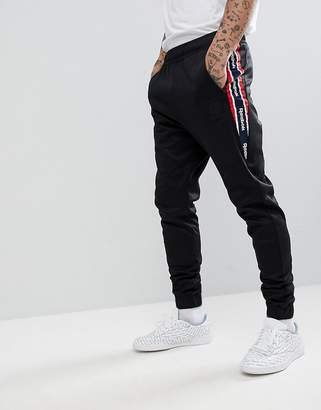 Reebok Retro Joggers In Black BQ5422