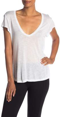 Michael Stars Short Sleeve Relaxed Fit V-Neck Tee