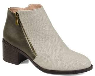 Brinley Co. Womens Textured Two-tone Bootie
