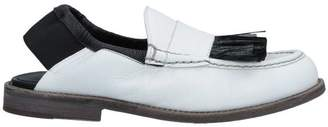 Leather Crown Loafer