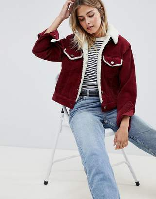 Asos (エイソス) - ASOS DESIGN cord jacket with fleece collar in berry