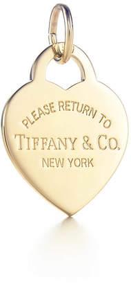 Tiffany & Co. Return to TiffanyTM heart tag charm in 18k gold, medium