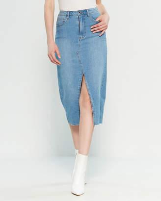 Almost Famous High-Waisted Denim Midi Skirt