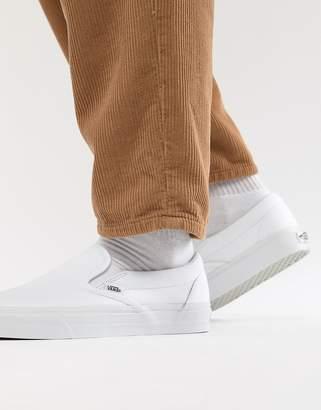 Vans Classic slip-on plimsolls in white veyew00